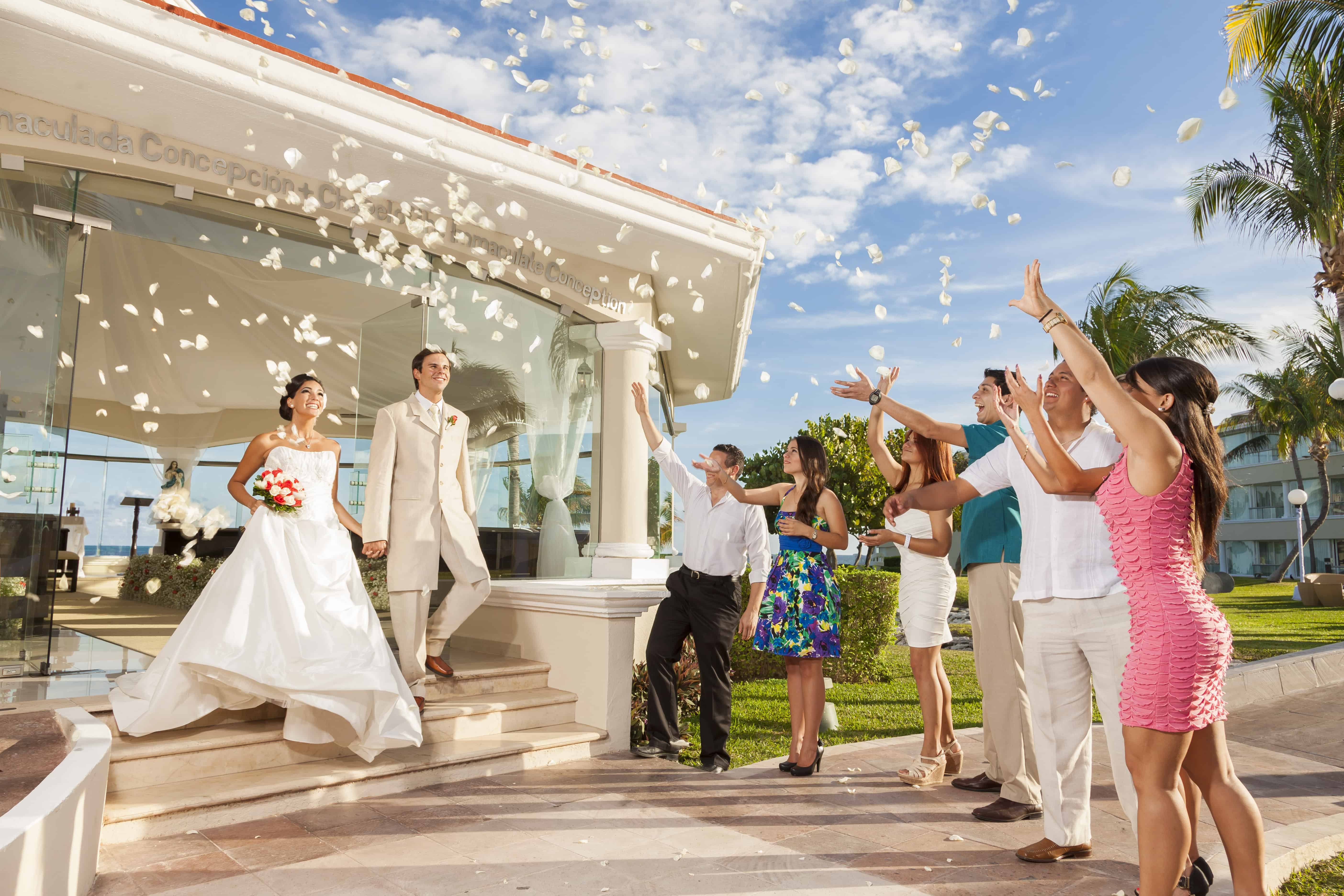 Palace resorts mexico jamaica create the moment travel for Mexico wedding packages